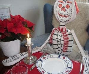 jeg inviterte jule skjelettet p middag olss begeistring. Black Bedroom Furniture Sets. Home Design Ideas